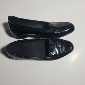 CLARKS EVERYDAY WOMEN'S LOAFERS